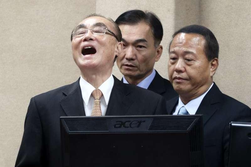 20171122-國防部長馮世寬面對藍委曾銘宗質詢時一度動怒,最後下台前更以哈哈哈哈哈回應。(蘇仲泓攝)