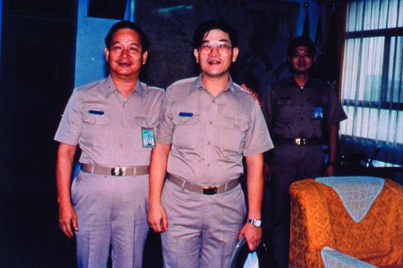 當年海軍總部高層將領即透露,尹清楓(右)很可能是擋人財路,而慘遭毒手。(新新聞資料照)