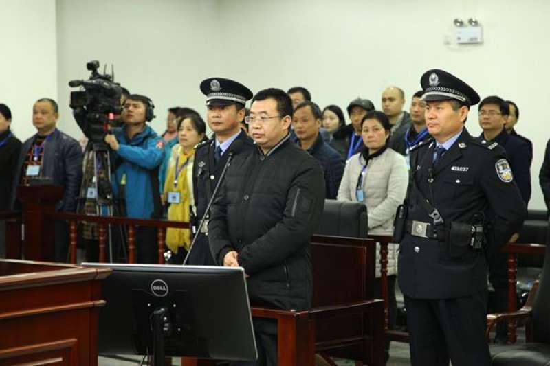 11月21日,江天勇在長沙中級法院一審聆聽宣判。(圖/長沙中級法院)
