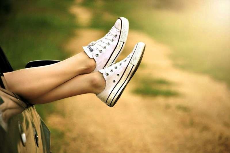 鞋子高矮胖瘦不一,常常讓鞋櫃亂七八糟、很難整理,這4招收納術能幫到你!(圖/pixnio)