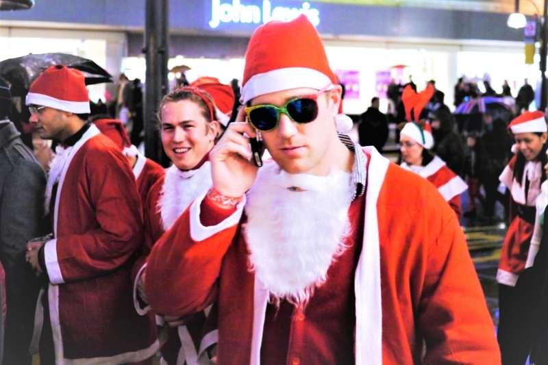 英國的耶誕節,與我們熟知的美式耶誕文化截然不同,連耶誕老人的名稱與形象都不一樣!(圖/neekoh.fi@flickr)