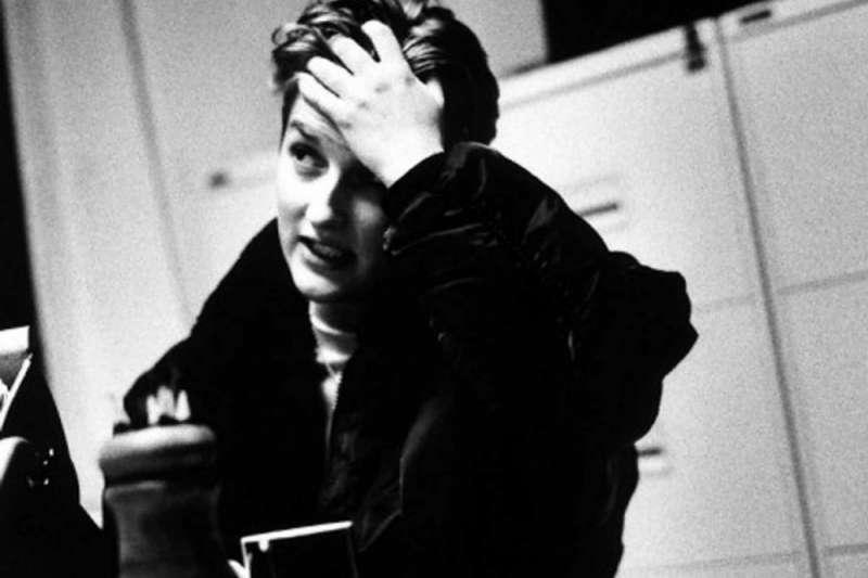 許多文人都飽受抑鬱症等精神疾病的困擾,以下10位歷史上著名文人的自殺悲劇,令人不勝唏噓。(圖/言人文化提供)