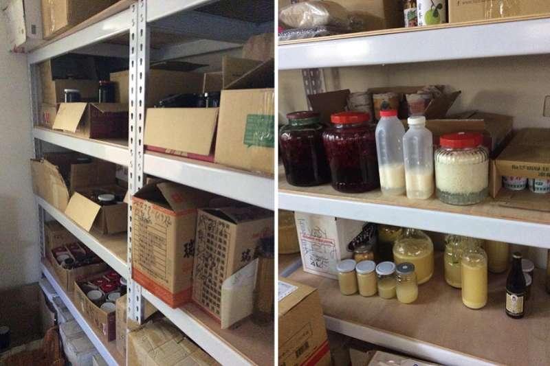 滿屋子的食材(左),右邊架上的是我的貢獻。(寇延丁提供)