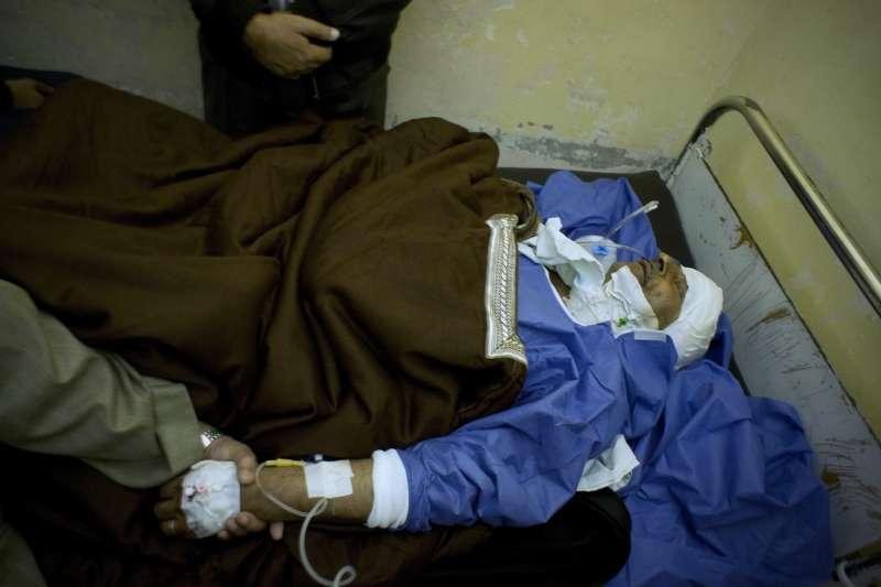 埃及北西奈省一座清真寺24日發生恐怖攻擊,造成慘重死傷(AP)