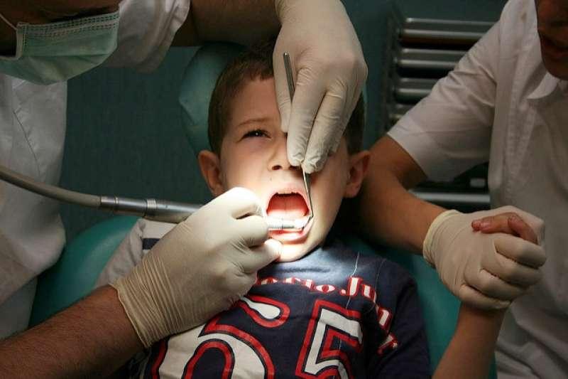 台灣健保看牙超幸福,掛號費只是歐美各國醫療費用的零頭。(示意圖/Finizio@flickr)