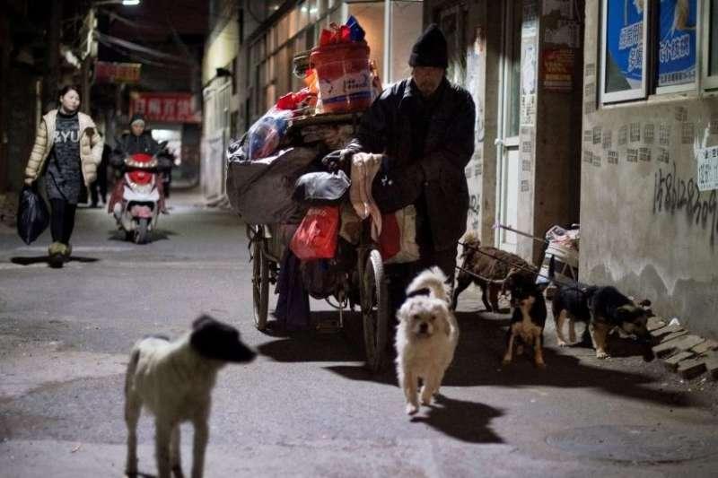 北京租戶遭驅離,受影響者不止「低端人口」。(BBC中文網)