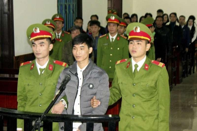 越南部落客阮文和,遭政府以「散播反政府宣傳」罪名,判處7年刑期。(美聯社)