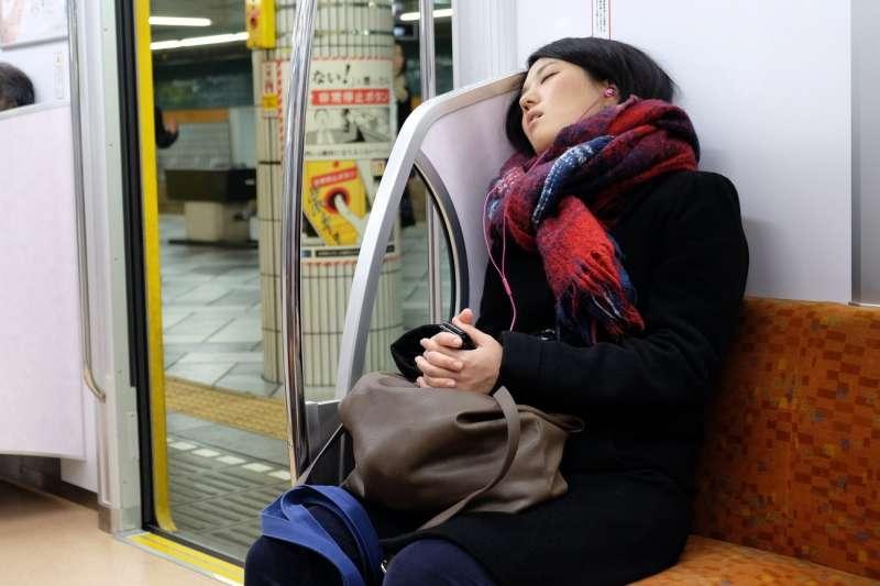 在日本,就連青少年甚至小學生都有「睡眠負債」的問題。(圖/*CPU提供)