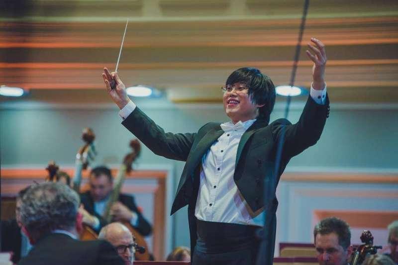楊書涵參加第10屆波蘭費特伯格(Fitelberg)國際指揮大賽,榮獲首獎。(取自台師大)