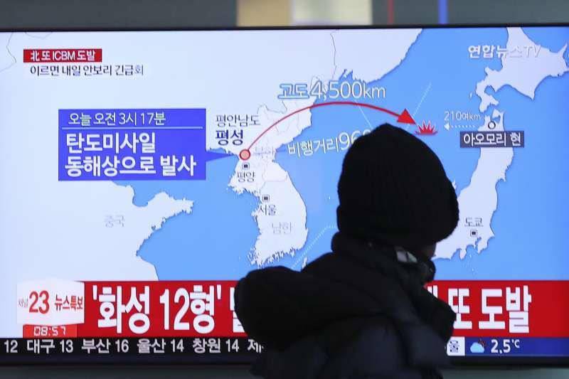 北韓29日清晨再度發射一枚洲際彈道飛彈,最後落入日本的專屬經濟海域。(美聯社)