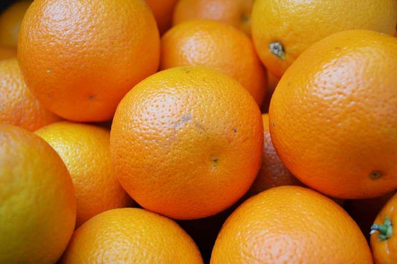 最近正值柳丁盛產季,想吃到最新鮮美味的柳丁,快跟著專家的建議挑!(圖/George Hodan @publicdomainpictures.net)