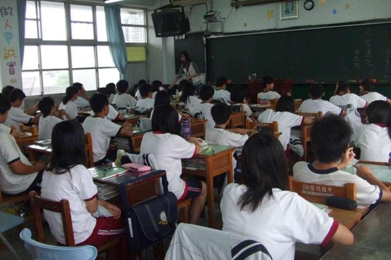 台灣為全球上課時間最長的國家。(圖片來源:公共政策網路參與平台)