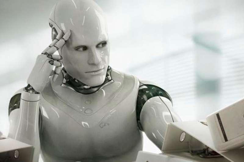 機器人投顧是運用演算法,透過大數據及計量模型,依據使用者之風險屬性提供投資建議,並可由程式自動下單,進行自動化投資組合服務。(圖/ebongeek.com)