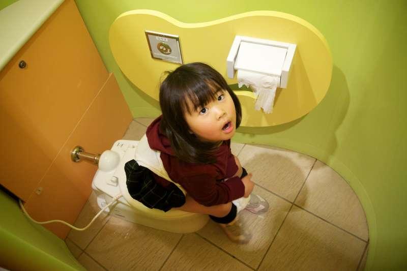 女性 脾腎 陰虛的症狀 - 「蹲姿」有助於排便,緩解便祕是真的嗎?想要「嗯嗯」順暢,這5招最有效