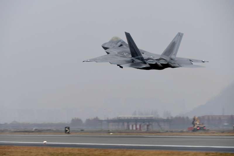 美軍最先進匿蹤戰機F-22猛禽式。(美聯社)