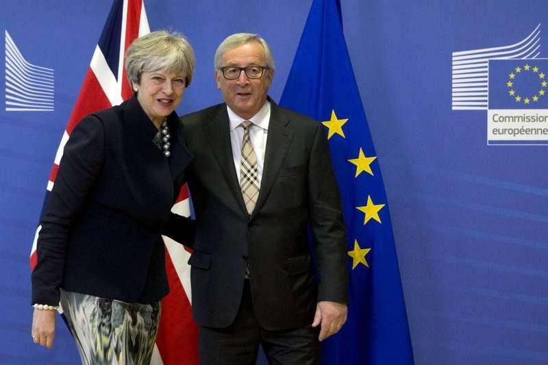 英國首相梅伊4日與歐盟執委會主席容克展開分手談判最後協商,卻因為愛爾蘭邊界問題,沒有達成共識。(美聯社)