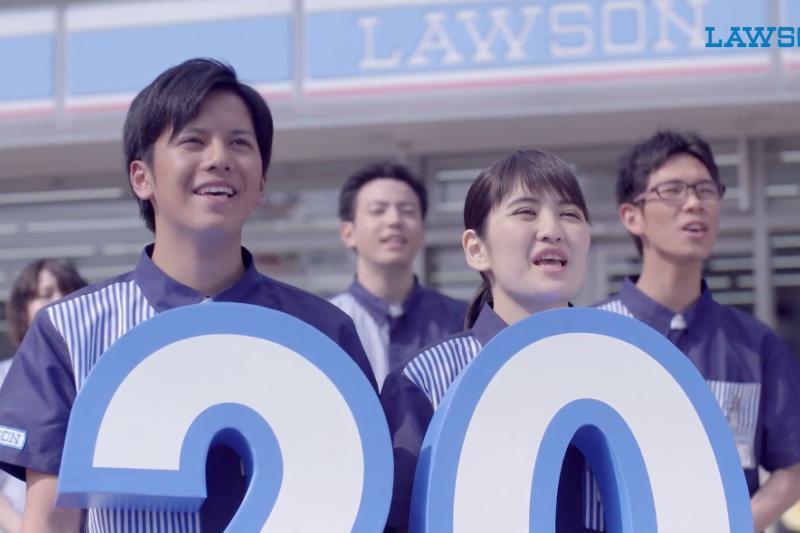 日本便利超商為謹守24小時營業的理念,將透過科技技術來節省人力。(示意圖非本人/翻攝自youtube)