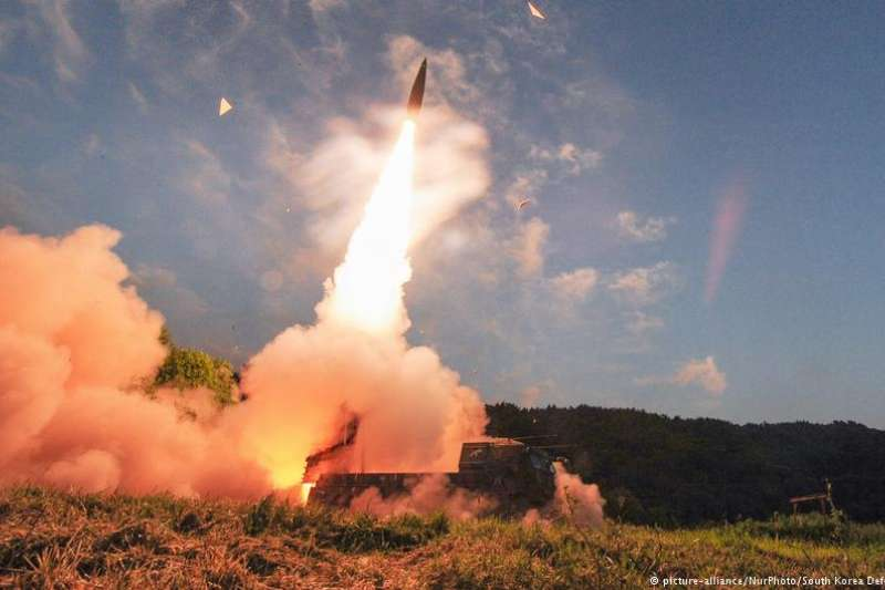 「金日成曾經發過『要在美國丟下核彈』的豪語,北韓開發核武的目標從一開始就不只是針對南韓軍和駐韓美軍而已,北韓知道如果不擊垮美國,要打贏第二次韓戰和赤化整個半島根本是痴人說夢話。」(示意圖,德國之聲)