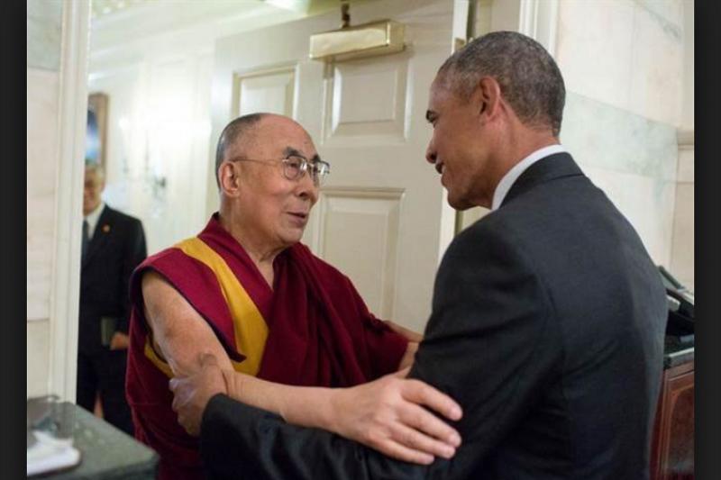 前國前總統歐巴馬(右)曾多次與達賴喇嘛(左)會面。(白宮網站)