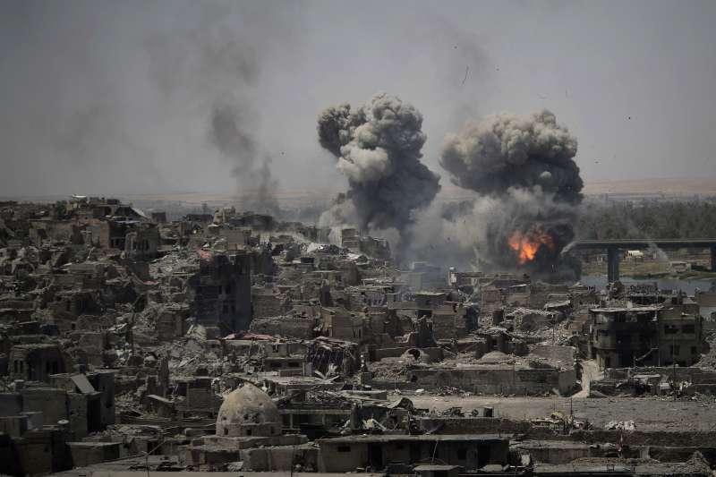 2017年7月,伊拉克軍隊苦戰收復第二大城摩蘇爾(Mosul)(AP)