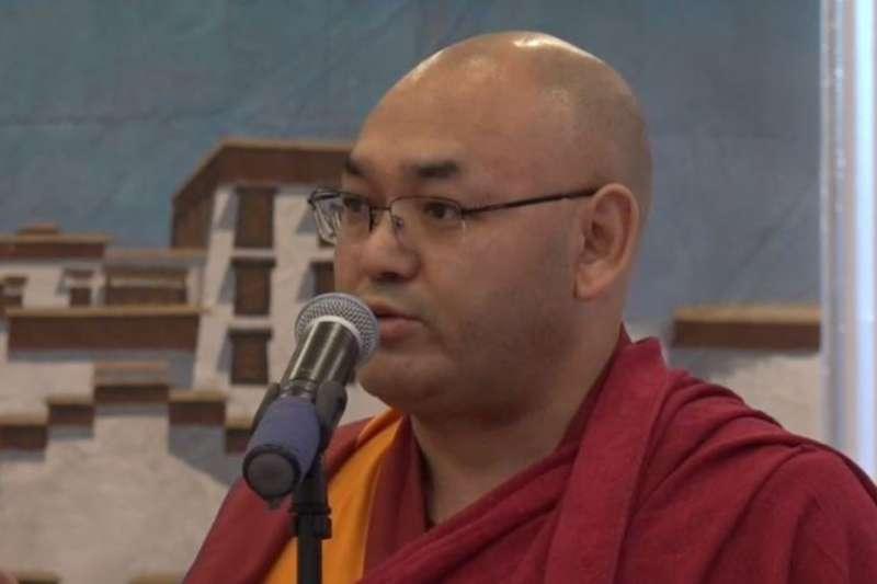 藏人行政中央議會議長堪布索朗丹在紐約出席2018藏漢聯誼新春酒會(美國之音)