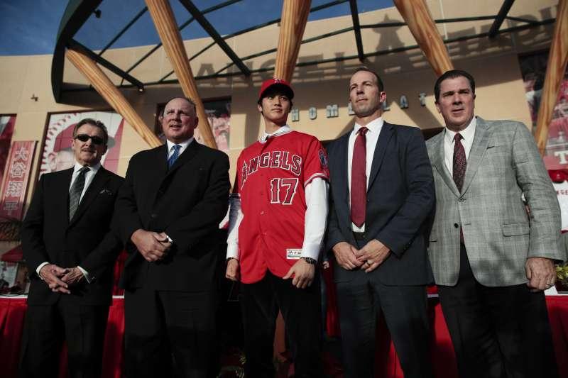 2017年12月,日本「投打二刀流」球星大谷翔平正式加入美國職棒大聯盟(MLB)洛杉磯天使隊(AP)