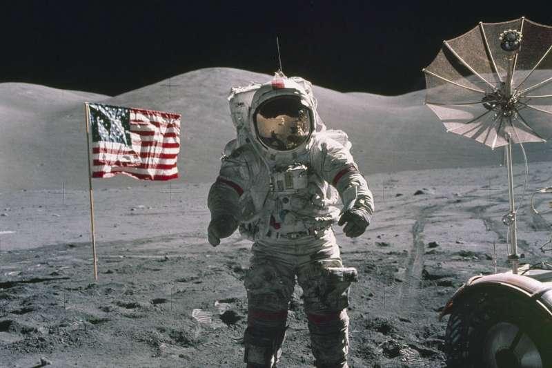1972年的阿波羅17號任務為美國最後一次太空人登月任務,帶回數量眾多的月球岩石、土壤樣本。(Photo Credit:NASA)