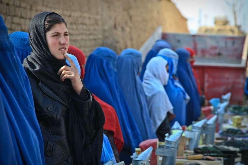 在阿富汗,女人為了保命,幾乎不敢舉報性侵、性騷擾犯。(示意圖非本人/ArmyAmber@pixabay)