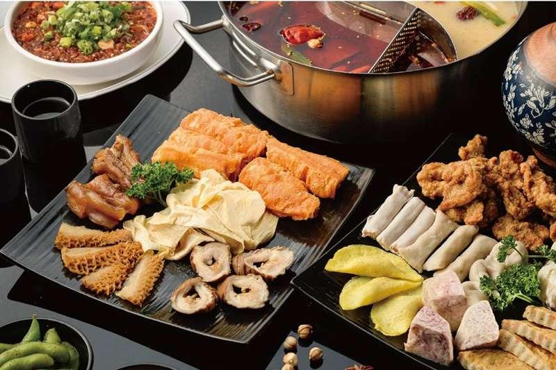 冷氣團來襲,吃熱呼呼的鍋物是許多人的用餐選擇。(圖/老四川巴蜀麻辣燙@facebook)