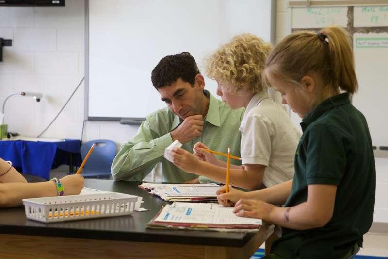 在德國小學校園,幾乎見不到男性教師。(圖/美國教育部@flickr)