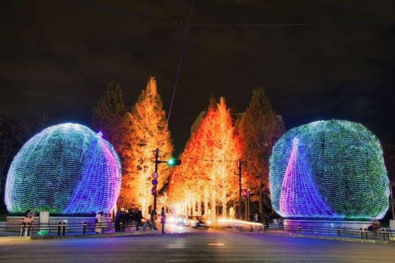 年末造訪京都,不僅能感受古都的莊重氣氛,還能欣賞華麗的聖誕燈飾,是當地人的私房玩法。(圖/ZEKKEI Japen提供)