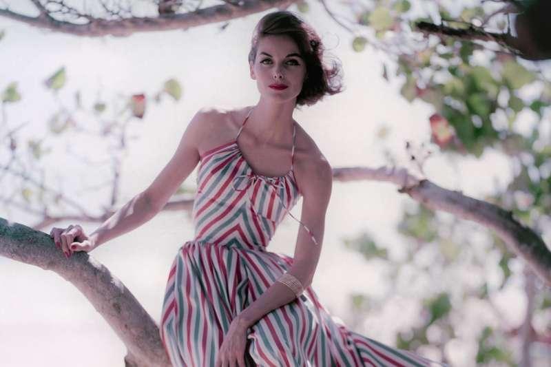 Anne St. Marie是50年代風華絕代的超模,更是許多時尚設計師的靈感來源。(圖/言人文化提供)