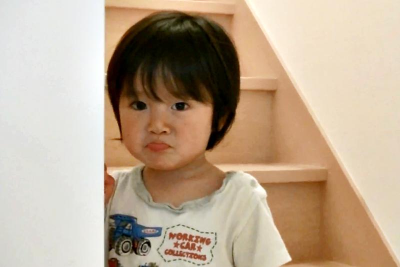 2歲叛逆期,孩子常說「不要、不要」其實也是他成長的證據。(示意圖非本人/翻攝自youtube)
