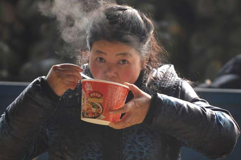 中國仍然是全世界最大的泡麵消費市場。(BBC中文網)