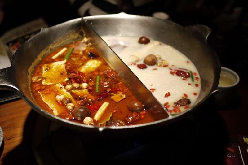 火鍋要怎麼吃,才能避開高熱量呢?(圖/Richard, enjoy my life!@flickr)