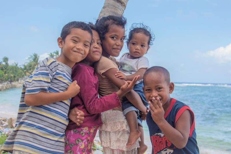 馬紹爾群島是中華民國的邦交國之一,也是樂觀的海洋民族。然而卻因為美軍一段核試爆的歷史,改變了馬紹爾國民的命運。(圖/Ministry of Health and Welfare@flickr)