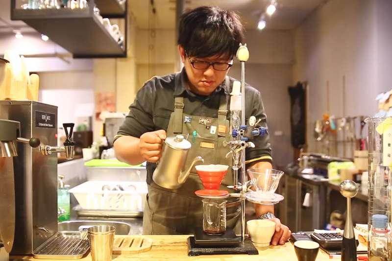 開咖啡店真的是夢幻職業嗎?讓已開業3年的老闆告訴你!(圖/翻攝自COFFEE TV@Youtube)