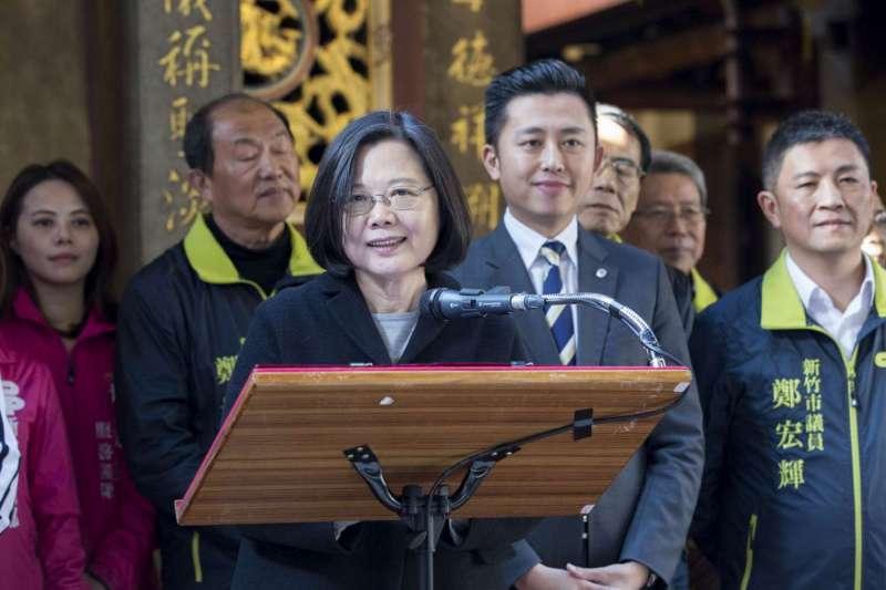 總統蔡英文到新竹長和宮祈福,肯定林智堅市長就職三周年「翻轉新竹」(新竹市政府提供)