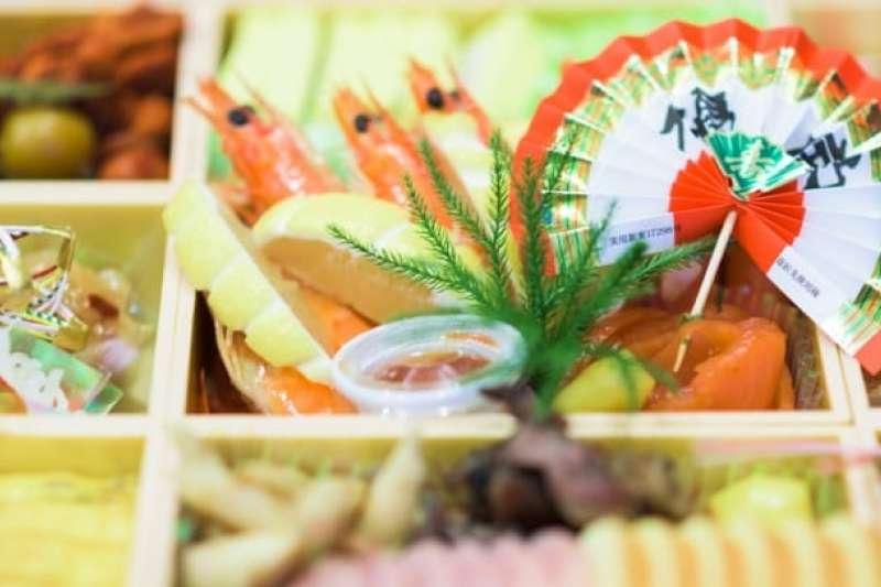 日本新年有「過年期間不下廚,讓火神休息」的說法,因此年菜都是事先準備好、冰涼的。(圖/MATCHA提供)