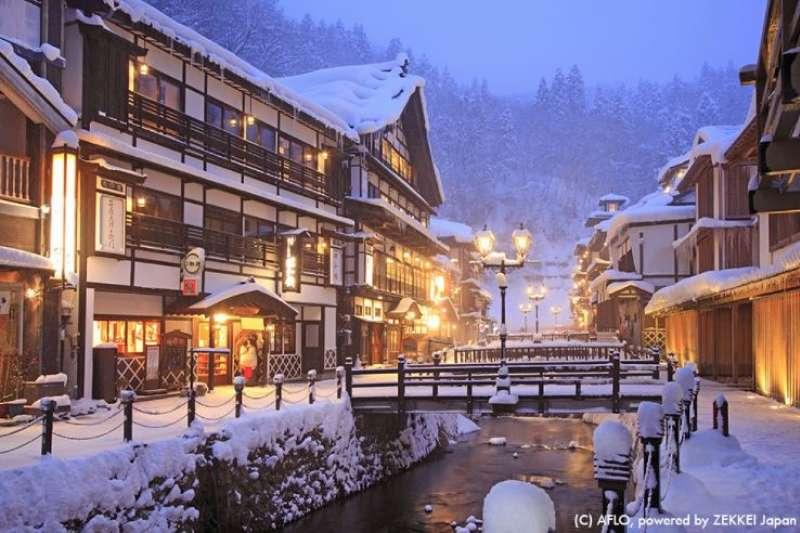 在冷颼颼的冬日,到日本泡湯是最佳的身心放鬆旅程。(圖/zekkeijapan.com)