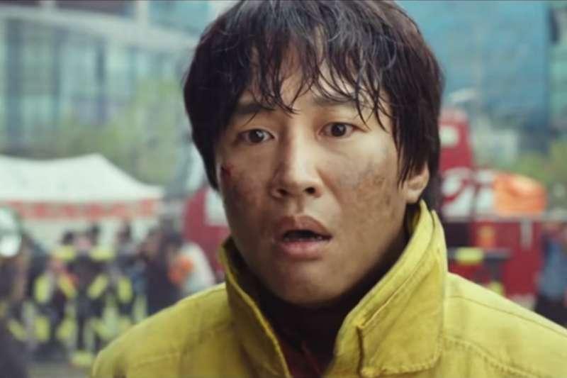 韓國電影《與神同行》投入鉅資拍攝,一上映也成功引起熱議。(圖/擷取自Youtube)