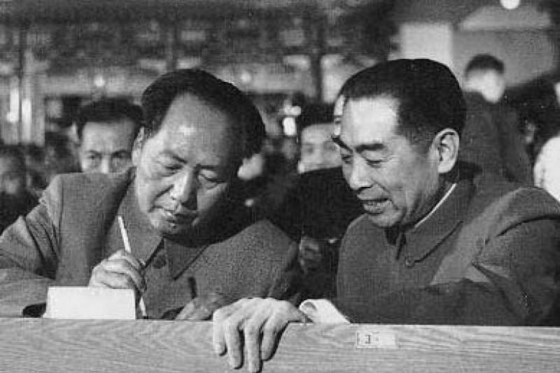 毛澤東與周恩來。(維基百科)