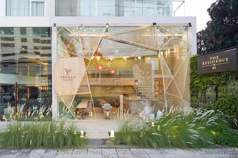 曼谷有許多風格獨特咖啡店、餐廳,把住的錢省下來、走進充滿設計感的餐廳,一定能滿載而歸!(圖/翻攝自party / space / design)