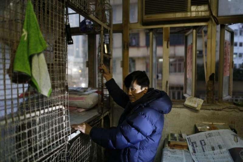 香港樓價飆漲,民眾居住條件相當糟糕。(美聯社)