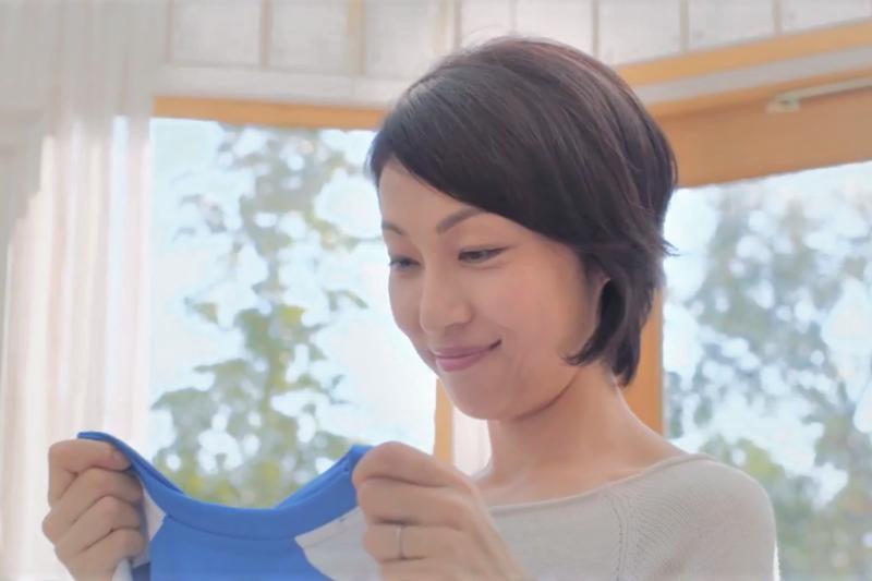 許多國外名牌的服飾,又貴又不知道該怎麼洗...,專家教你讀懂洗滌標誌的4大訣竅,讓你洗衣不再傷腦筋!(圖/ P&G アリエール@youtube)