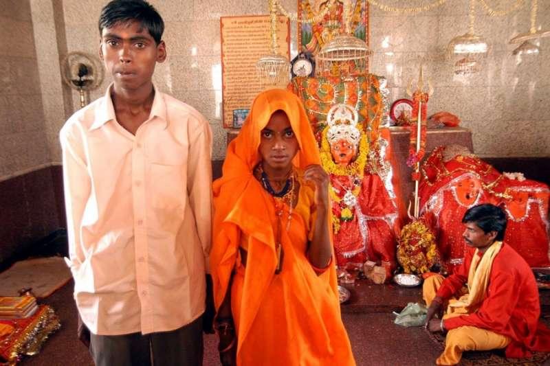 南亞不少國家都有童婚現象,最高孟加拉約有52%的女孩在18歲前被迫結婚,印度也高達47%。(圖/作者|想想論壇提供)