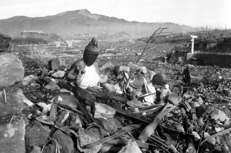 1945年8月9日,長崎原爆,佛寺化為廢墟(Wikipedia / Public Domain)