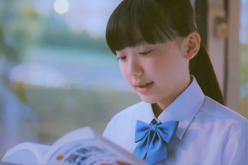 台灣孩子的閱讀力雖然近年已有進步,但仍落後歐洲國家。此外,線上閱讀力更是未來台灣教育需別關注的重點。(圖/取自youtube)