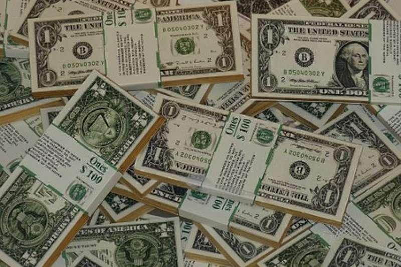 台幣仍有升值壓力,應繼續觀察各國貨幣政策走向,掌握國際金融趨勢,做好匯率避險,才能管理匯率風險。(資料照,圖/pixabay)