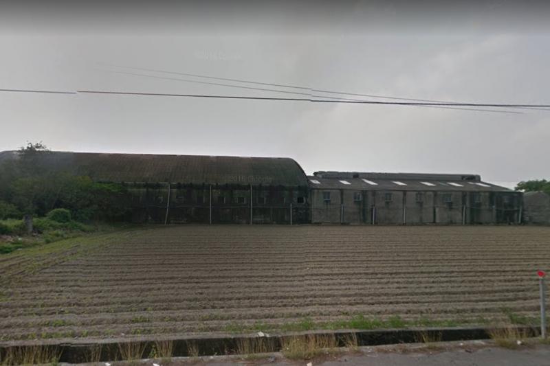 雲林萬有紙廠去年10月發生大火,廠區內竟然堆積了3、40年的廢棄物。台灣金聯如今要清理廠區內廢棄物,竟然得再花費上億元資金。(取自Google Map)